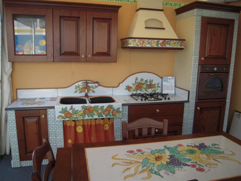 Cucina modica cu ce mur cucine in muratura for Piastrelle cucina caltagirone
