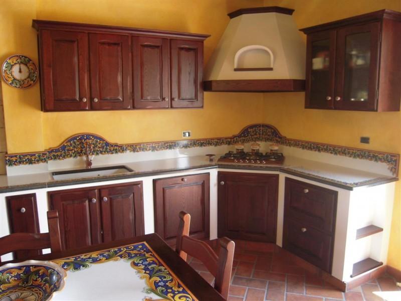 Cucina augusta cu ce mur cucine in muratura prefabbricata cu ce mur cucine in muratura - Cucine in pietra lavica giarre ...