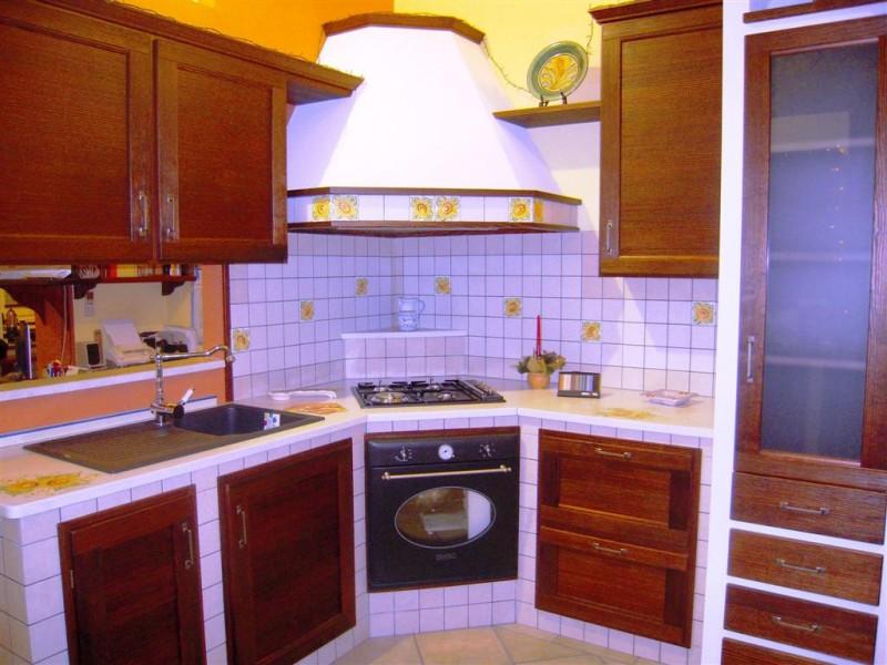 Cucina angolare in muratura qr21 pineglen - Mobili cucina ad angolo ...