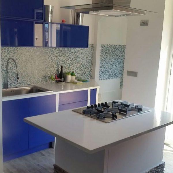 cucina in muratura loft blu