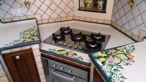 La tua cucina in muratura con i top cucine in pietra lavica
